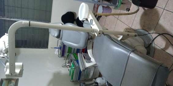 Equipo dental funcionando