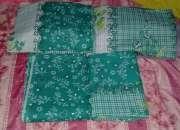 Almohadas y cubrecamas y arreglos
