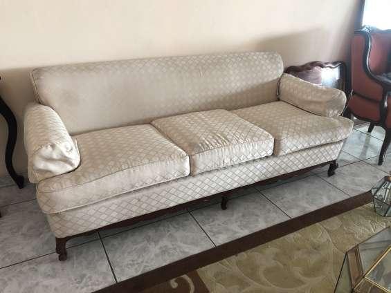 Sofá de 3 plazas, $75.00