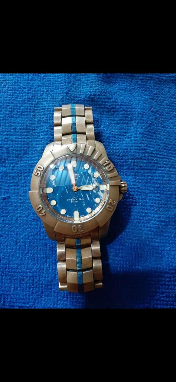 Reloj de mano de marca sacred graft grande en buen estado